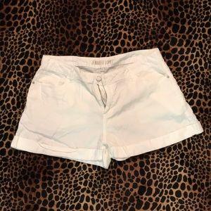 Jennifer Lopez White shorts